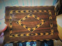 OLD WOODEN TUNBRIDGE ? INLAID CIGAR BOX SECTION INNER CHEVRON GEOMETRIC DESIGN